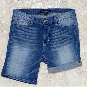 Flying Monkey Bermuda Rolled Jean Shorts Size 24